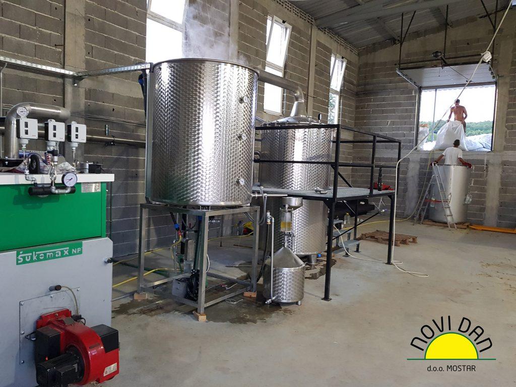 helichrysum essentil oil distillery lowpressure